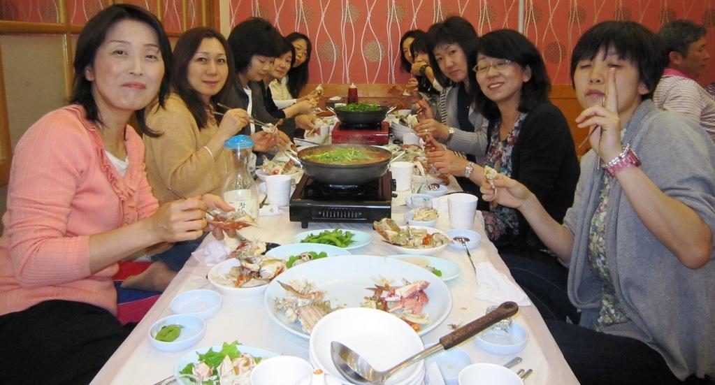 韓国旅行(ノリャンジン水産市場の食堂)