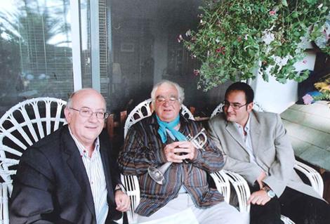 """Con su hijo Vicente y Maurice André, preparándo la grabación """"Encuentro entre dos estirpes"""""""