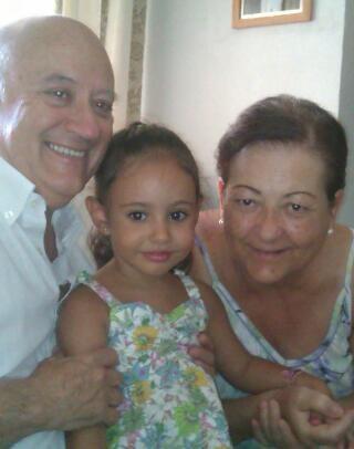 Con su sobrina nieta Claudia