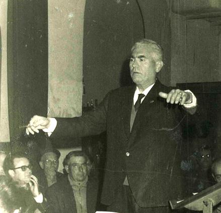 Con su maestro Don Ernesto Pastor