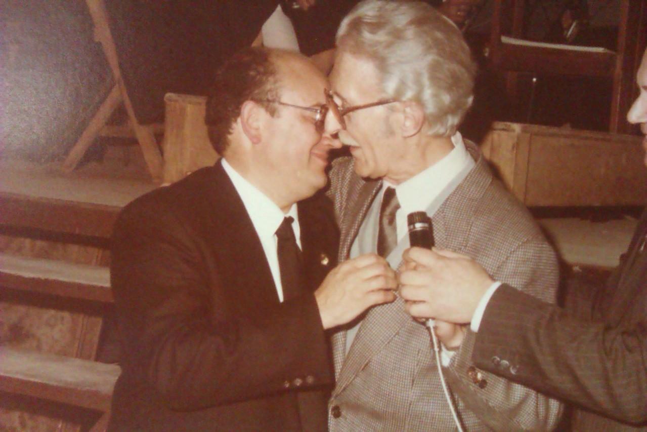 Con su estimado Maestro Massotti Littel