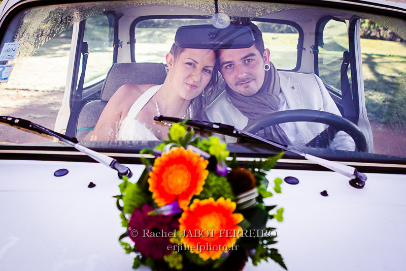 mariage, mariage champêtre, mariage en voiture ancienne, mariage en mini, couple,rachel jabot ferreiro, erjihef photo