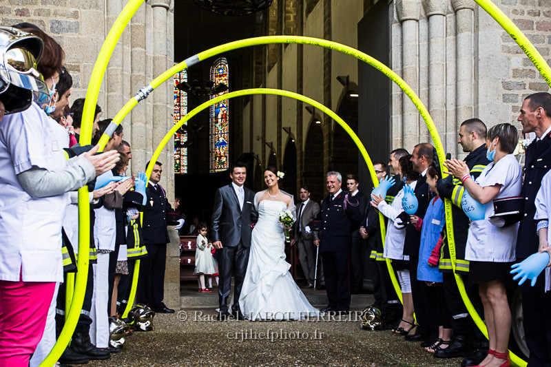 mariage; mariage cérémonie;eglise; mariage pompier; wedding; rachel jabot ferreiro; erjihef photo
