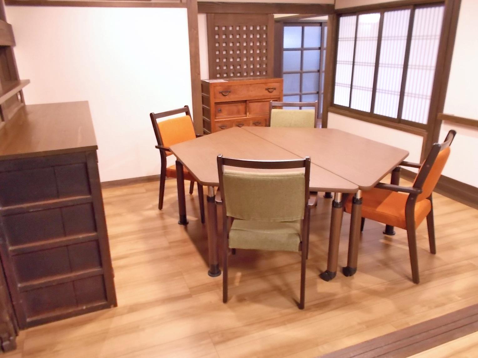 大垣市ケアステーションへ家具を納品しました。