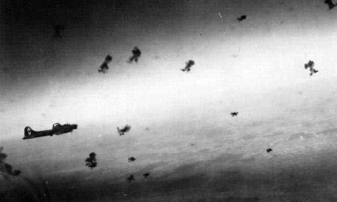 B-17 im Flakfeuer