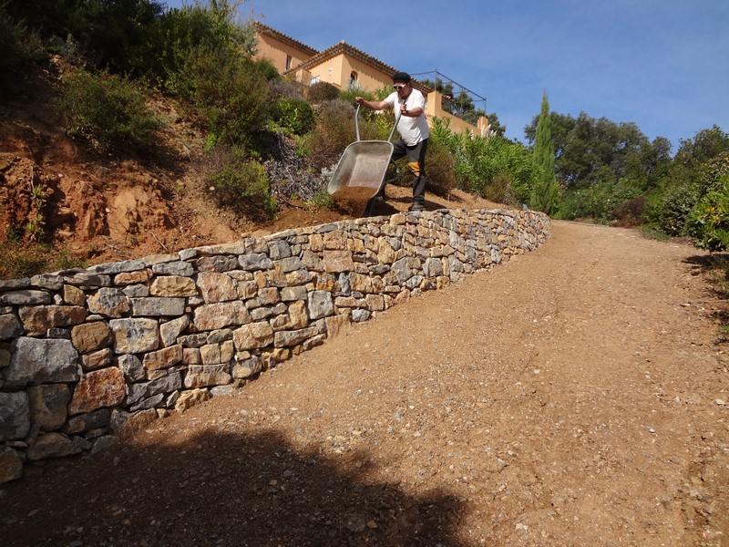 dry-stone-wall-construction-issambres-var-new