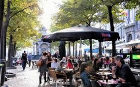 La vie liégeoise, ce sont ses terrasses animées qui attirent le monde