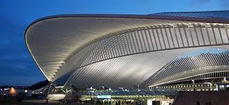 Le design épuré de la gare des Guillemins, de son vrai nom