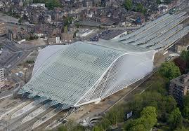 La gare dite Calatrava, du nom du célèbre architecte catalan qui l'a conçue et construite