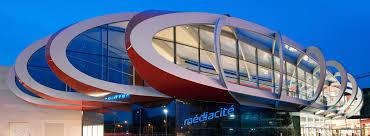 Média Cité, ce très grand centre commercial conçu par le célèbre architecte israélien, Ron Arad