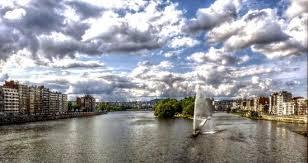 La Meuse et sa Dérivation ont crée une île au coeur de Liège