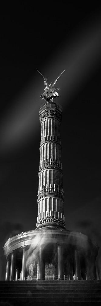 Goddess of Victory (Copyright Martin Schmidt, Fotograf für Schwarz-Weiß Fine-Art Architektur- und Landschaftsfotografie aus Nürnberg)