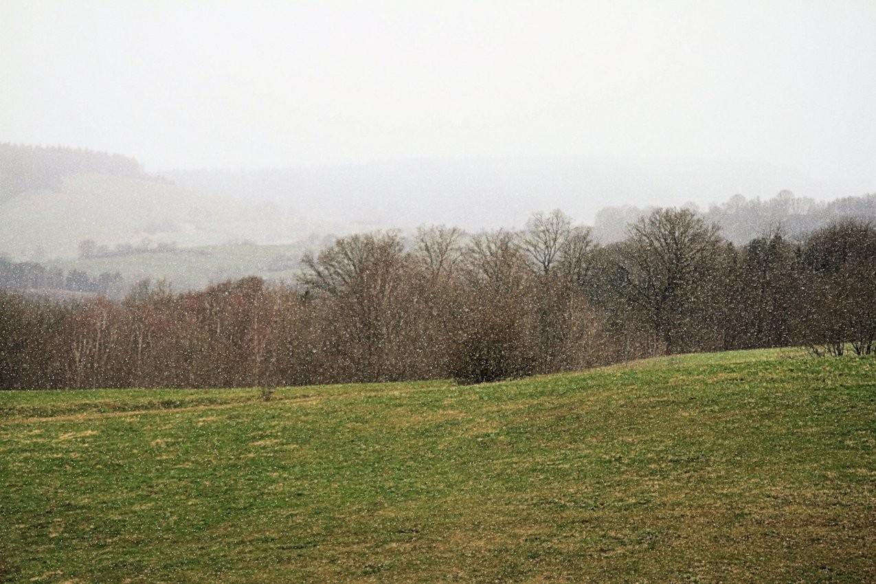 Sonne-Regen-Schnee und starker Wind
