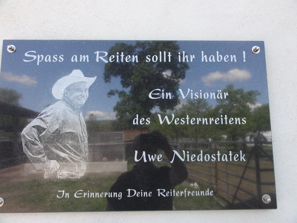 Gedenktafel an einen großen Westernreiter