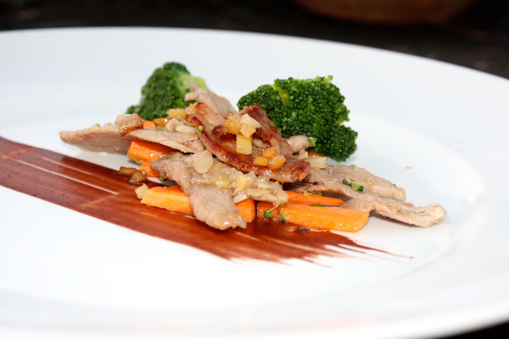 Gemüse & Fleisch auf Uhudler-Teriyaki