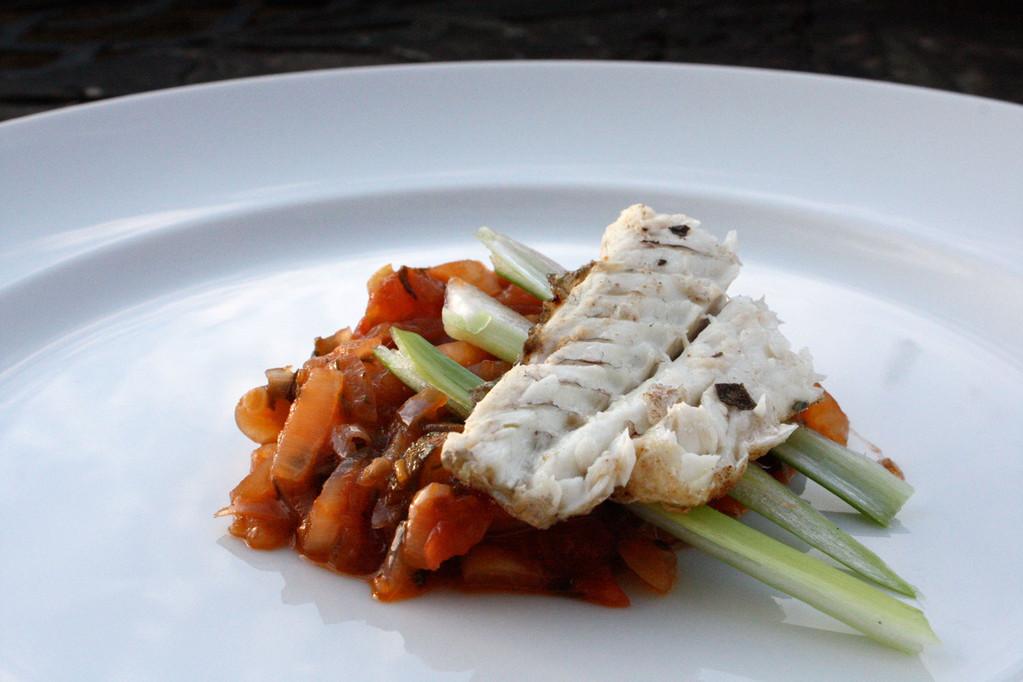 Fischfilet auf Uhudler-Tomaten-Chutney