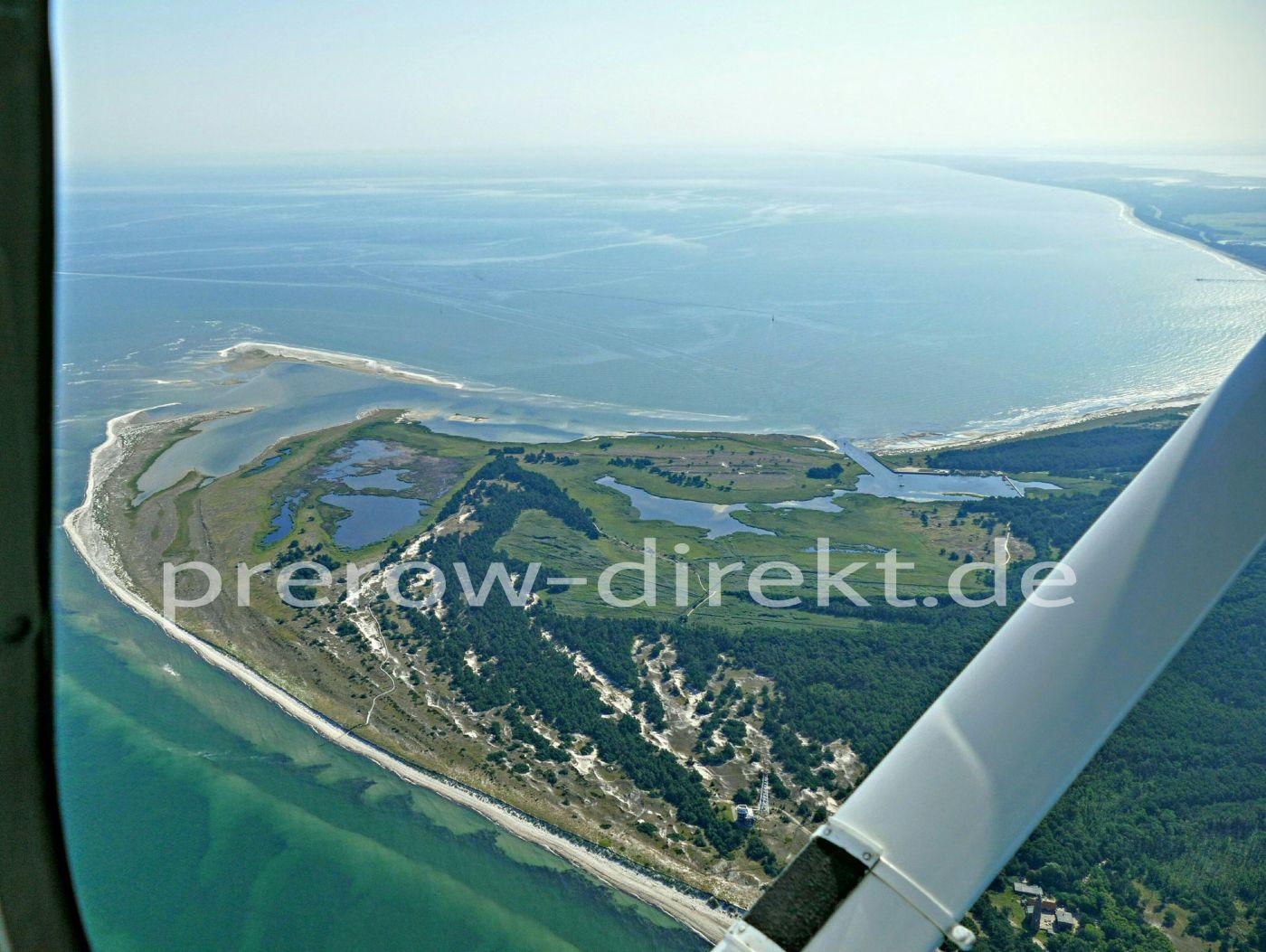 Darßer Ort, Nordwest-Spitze der Halbinsel Fischland-Darß-Zingst mit Blick auf den Nothafen und Prerower Strand