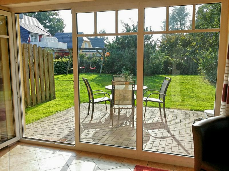 Zugang zur Terrasse und zum Garten