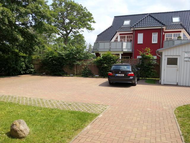 Parkplatz vom Ferienhaus Aalborghus mit Platz für 1 PKW (nach Absprache auch 2 möglich)
