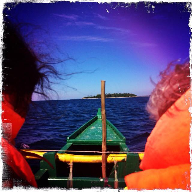 Vor uns liegt die Insel, die der Sage nach einst zu Lemuria gehört haben soll.