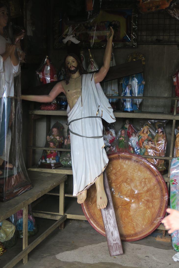 Ein Stop in Manaoag, der Kirche der Wunder.