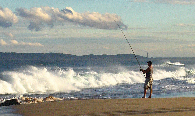 Fishing at Redhead, Newcastle, NSW. image from Flickr (West wind fisherman_7921) Tide Times and Ocean conditions now