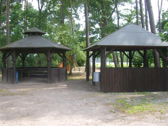Grillplatz und Spielplatz