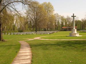 Milano War Cemetery - Cimitero Militare di Trenno ( Milano )