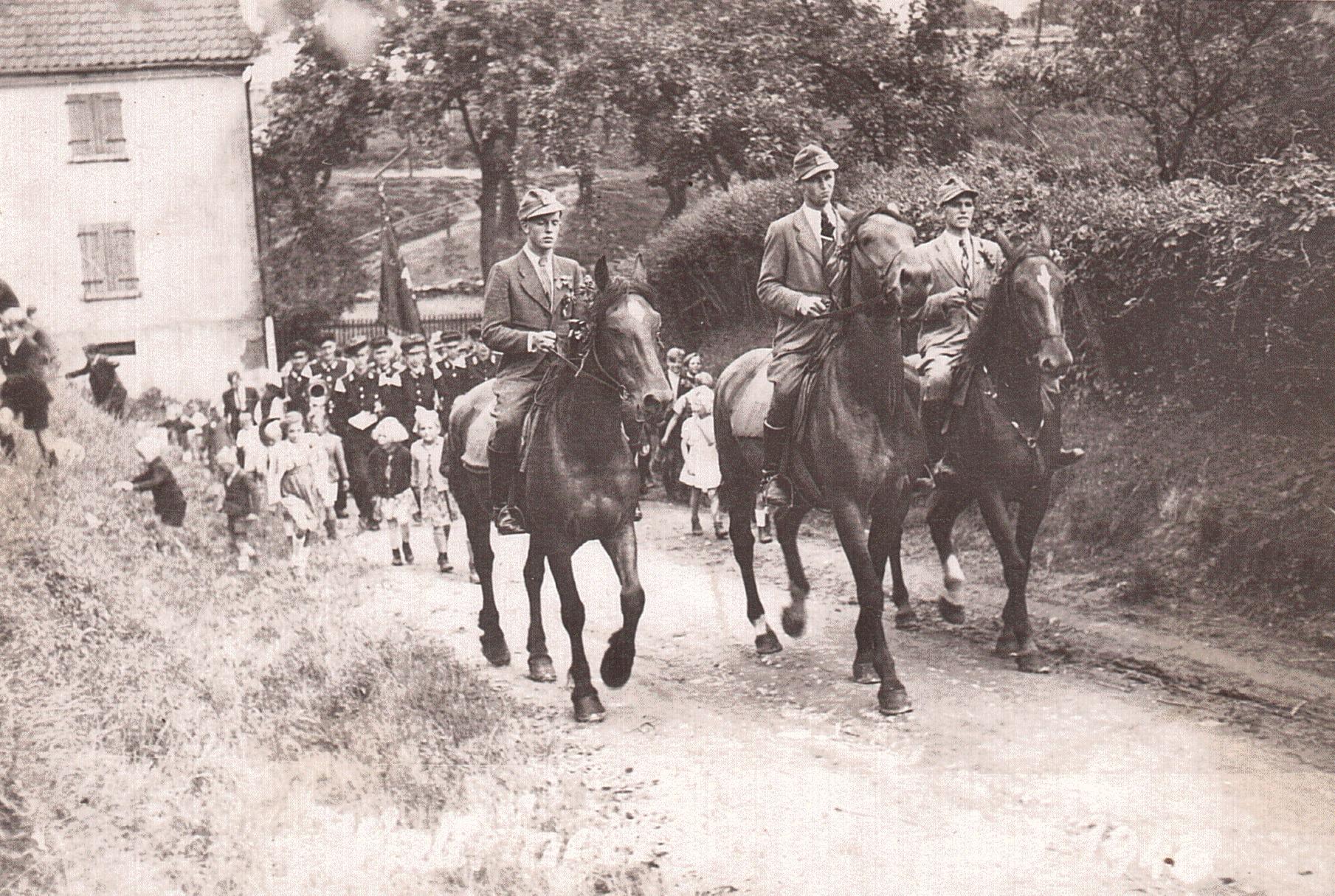 Schützenfest 1948: Zu Pferde Josef Lenze, Heinrich Diers, Heinrich Schäfer, v.l.