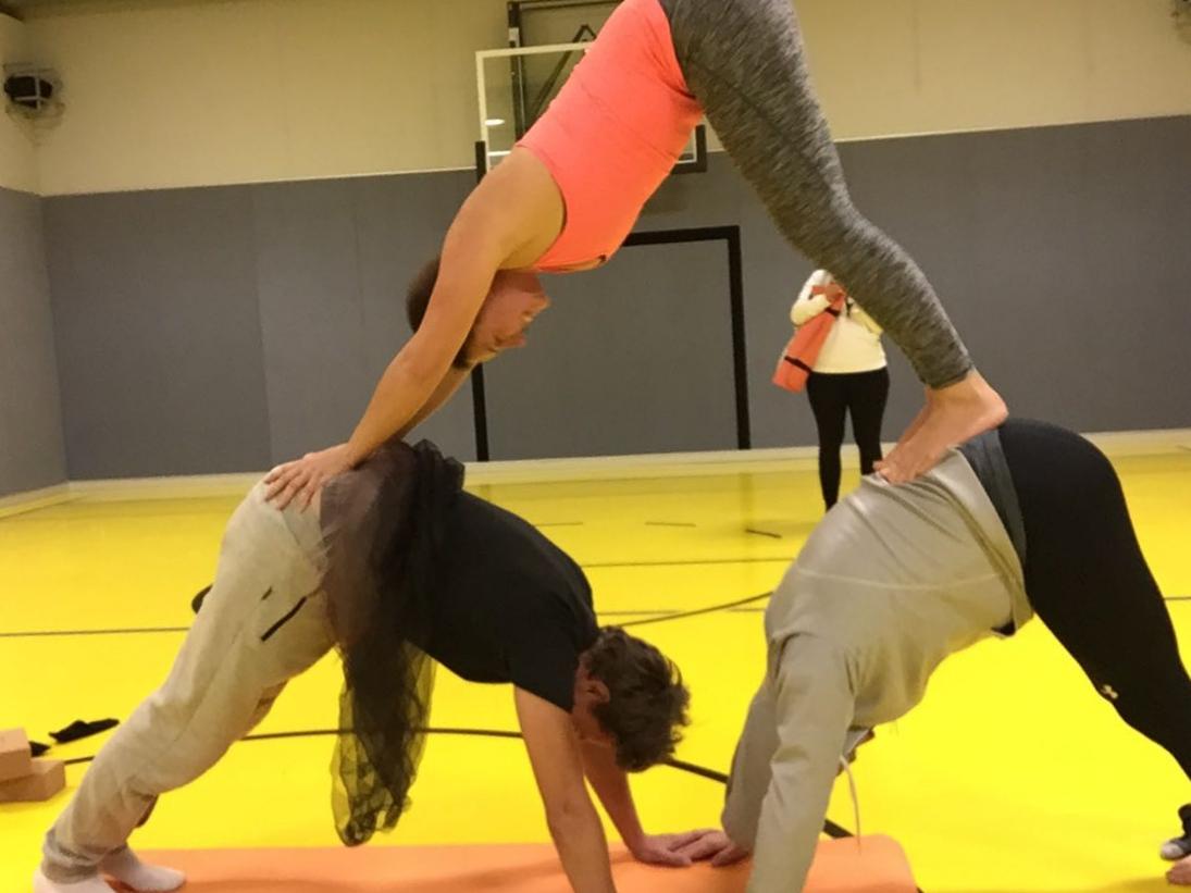 Acro Yoga 😎