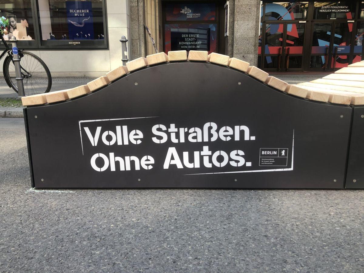 "Parklets - ""Flaniermeile Friedrichstraße"", Berlin"