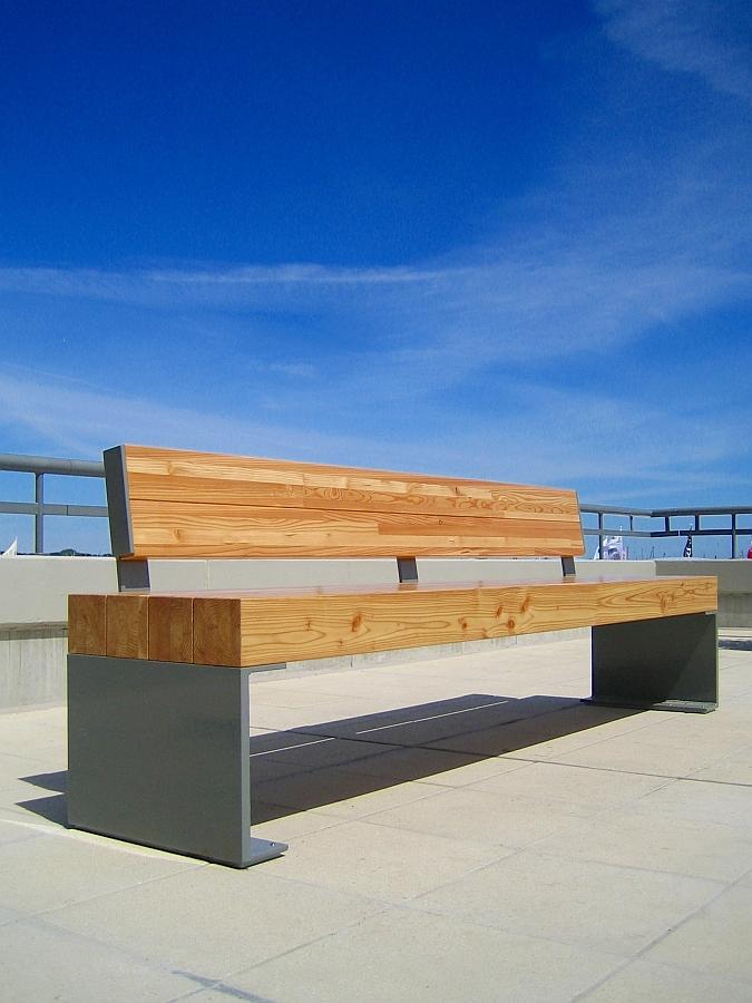 Stahl/Holz Bänke