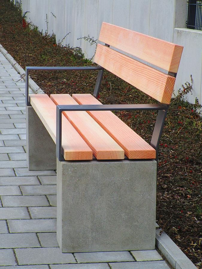 Naturstein-Beton/Holz