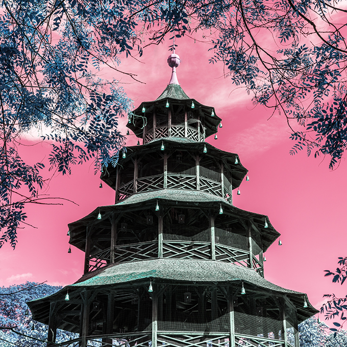Der Chinesische Turm 2018 als Farb-Photographie, Muenchen