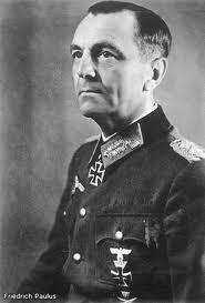 Фридрих Паулюс едет в Сталинград