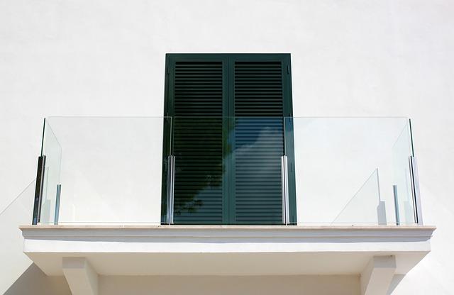 balcon sécurisé avec garde corps verre