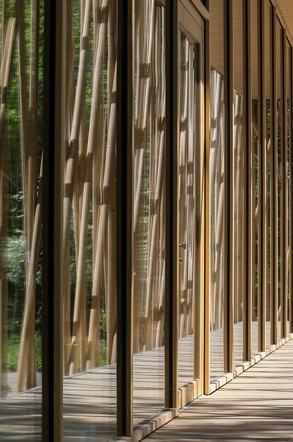 Harmonie bois et verre de couloir