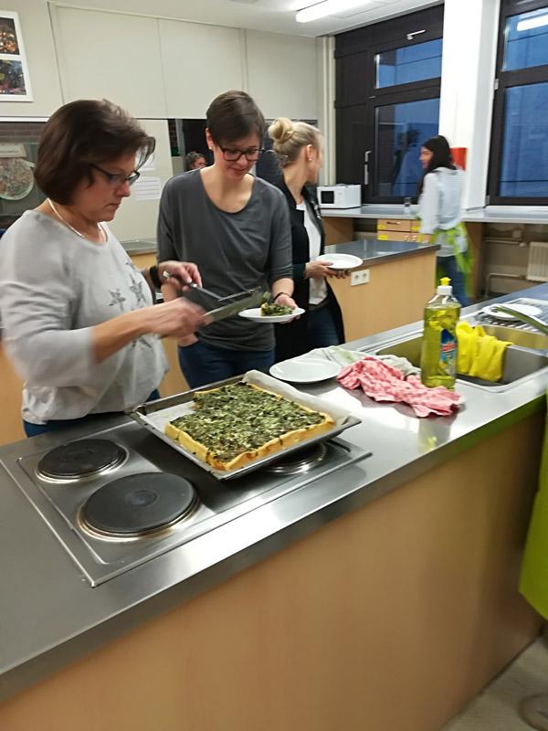 Die Brennnessel-Bärlauch-Quiche heiß aus dem Ofen!