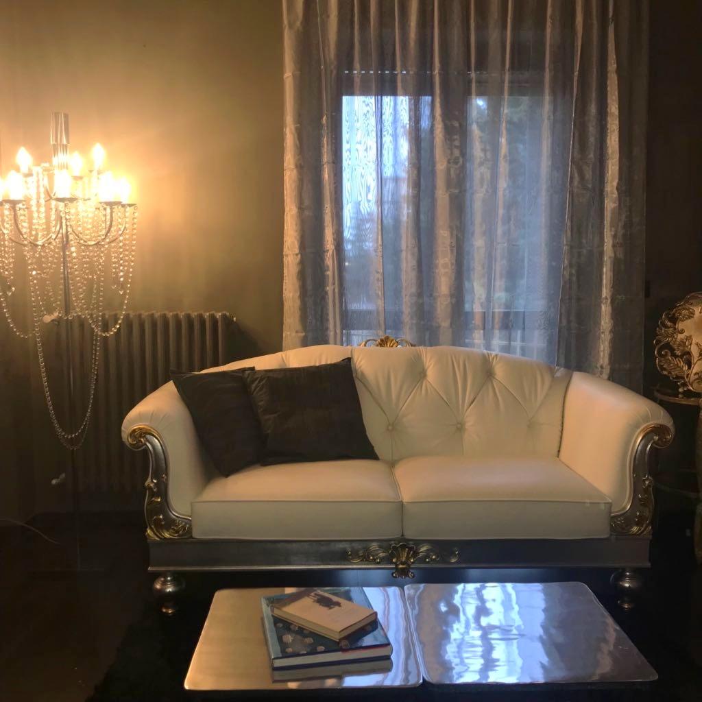 Arredare la tua casa con gusto idea pazza idearredamenti mobili e complementi d 39 arredo - Facciamo saltare i bulloni a questo divano ...