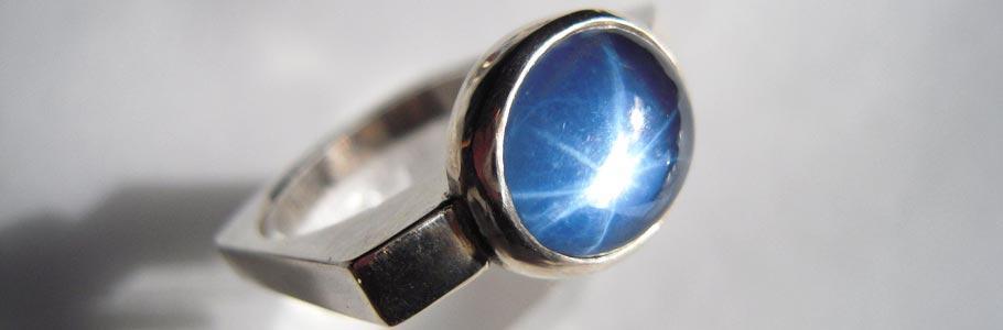 Schmuckunikate - Silberring mit blauem Sternquarz