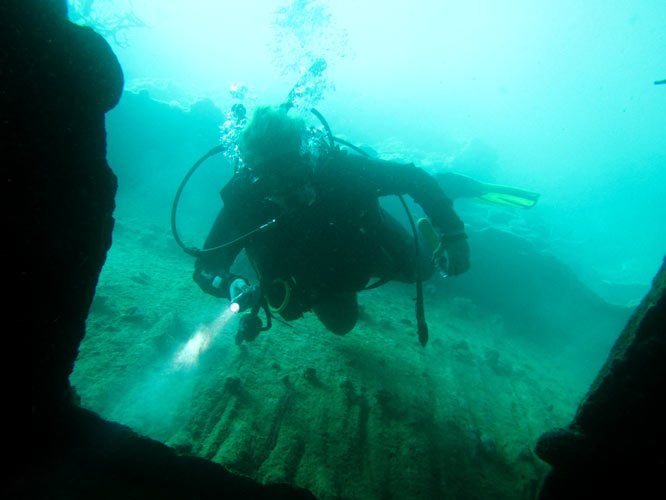 Wreck diving in Coron
