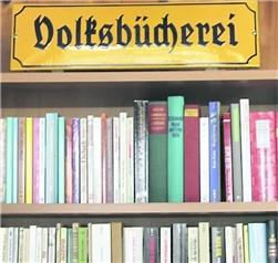 Auch das gibt es im Heimatmuseum: Bücher für ganz wenig Geld.
