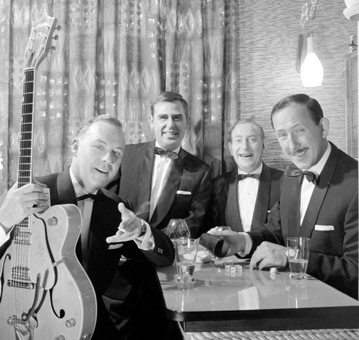 1961 Eddy Christiani met zijn Gretsch 6120 Chet Atkins Nashville gitaar en het Trio Harry de Groot (Nico Prins, Dub Dubois, Harry de Groot)
