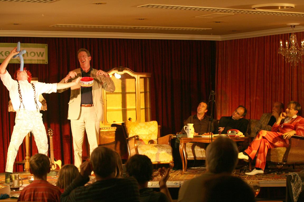 Zuschauer Joachim trommelt
