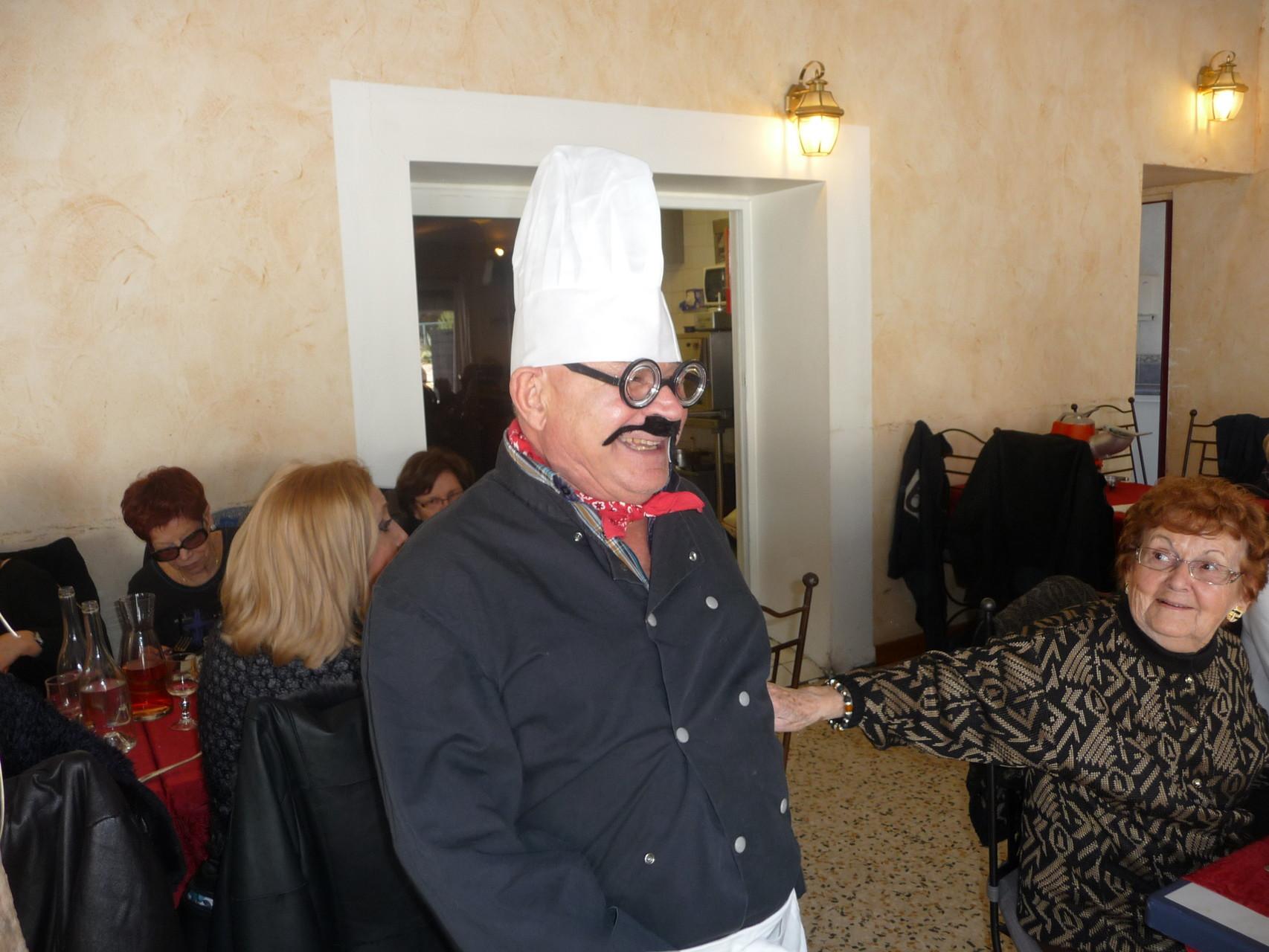 Notre Ami Jean Claude en cuisinier