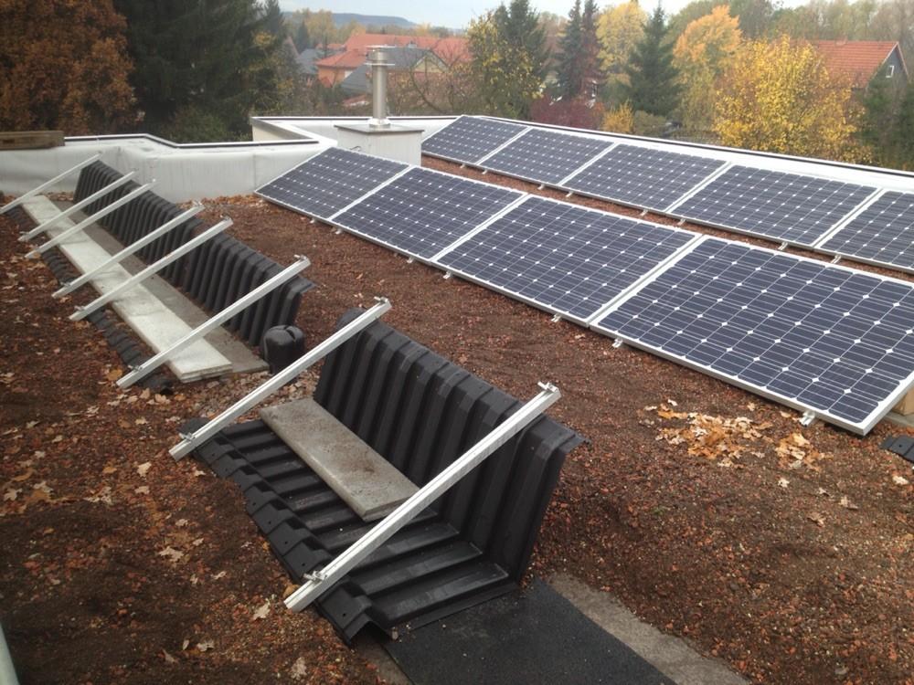 Photovoltaikanlage auf Flachdach, im Haus Ö. in Ohrdruf