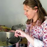 Susanne Spital beim Kochen