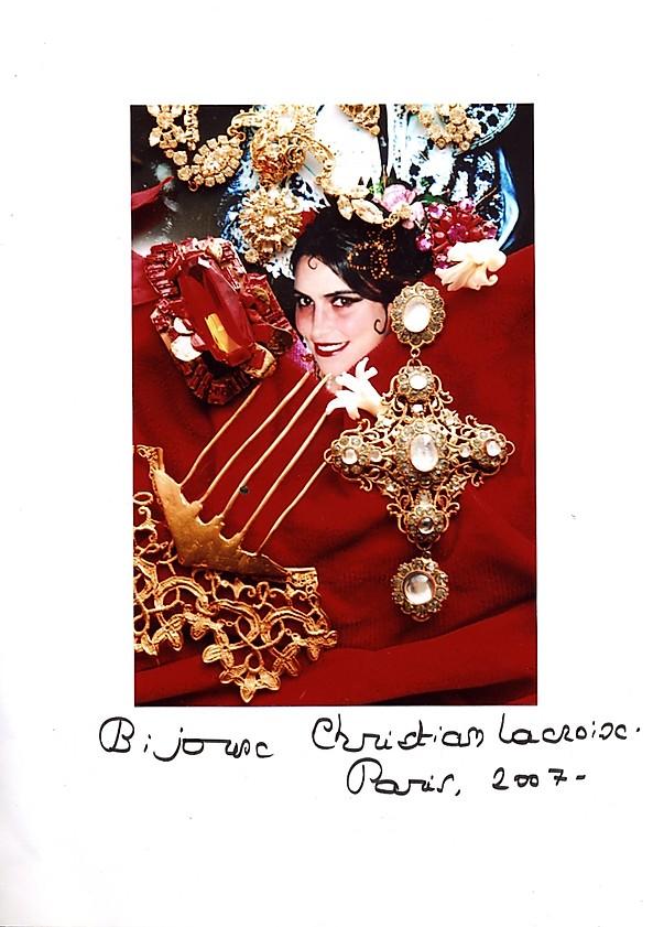 Christine Spengler. Portraits. Bijoux pour Christian Lacroix