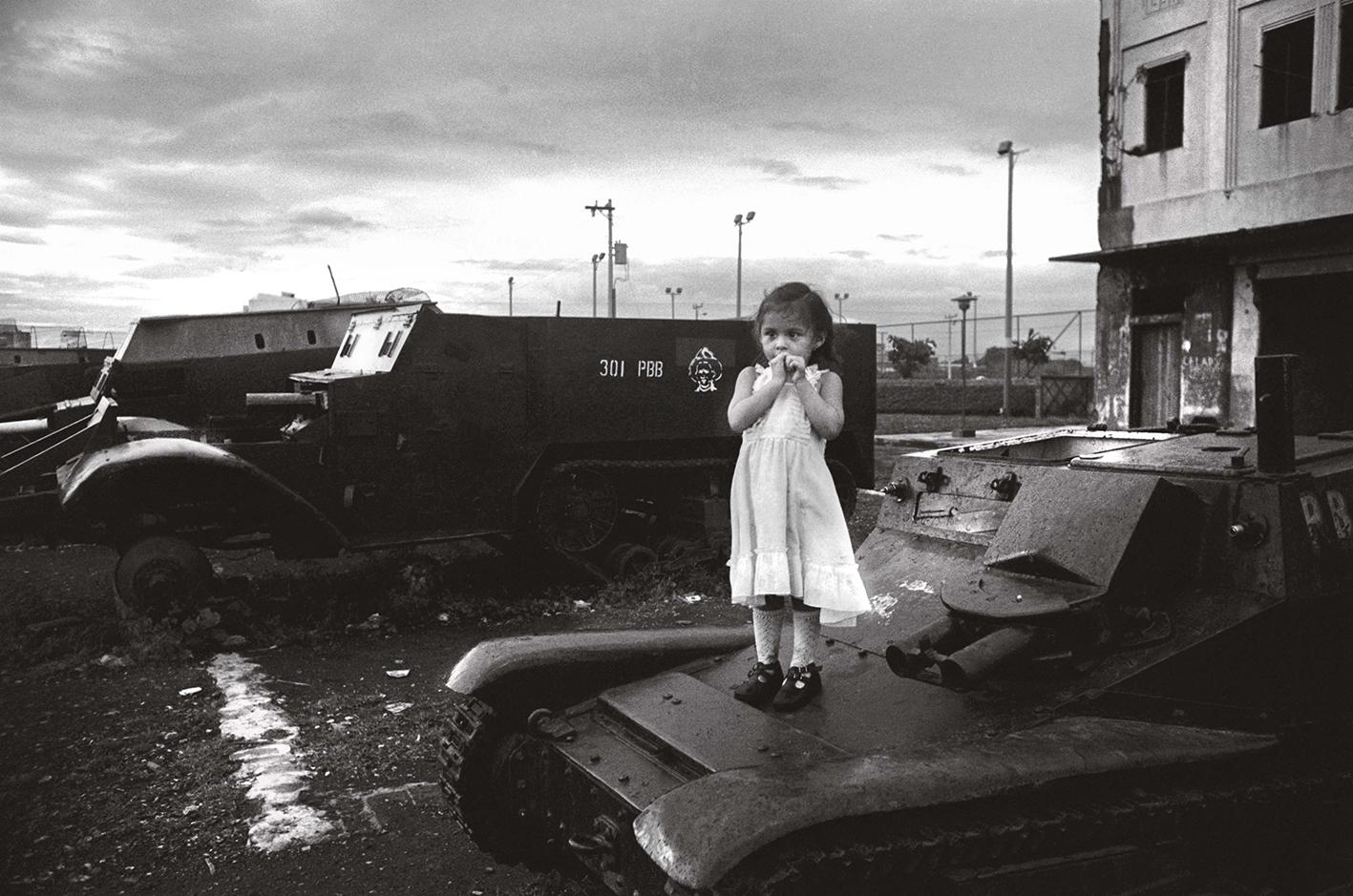 &#169Christine Spengler - Nicaragua, 1981. Managua.