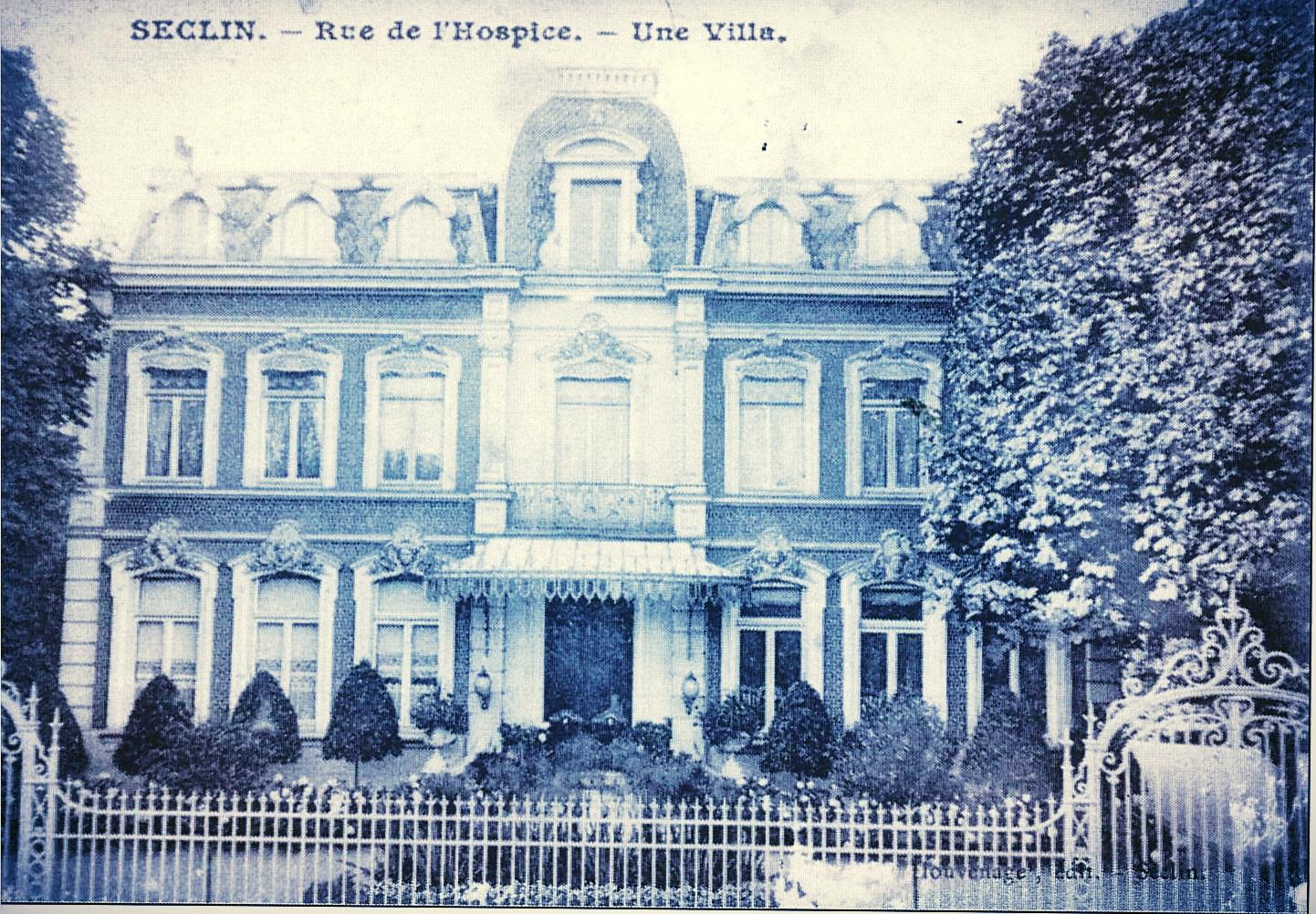 Le 1er château Guillemaud, oeuvre de l'architecte A. Leclercq, beau-frère de Claude Guillemaud Aîné... seules les grilles subsistent mais elles ont déménagé dans le parc de l'Hôtel de Ville